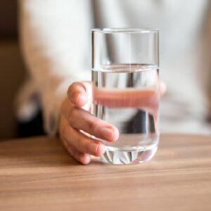 نوشیدن آب به مقدار کافی